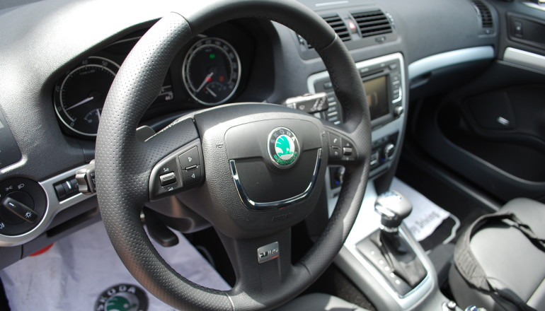 Octavia RS Steering