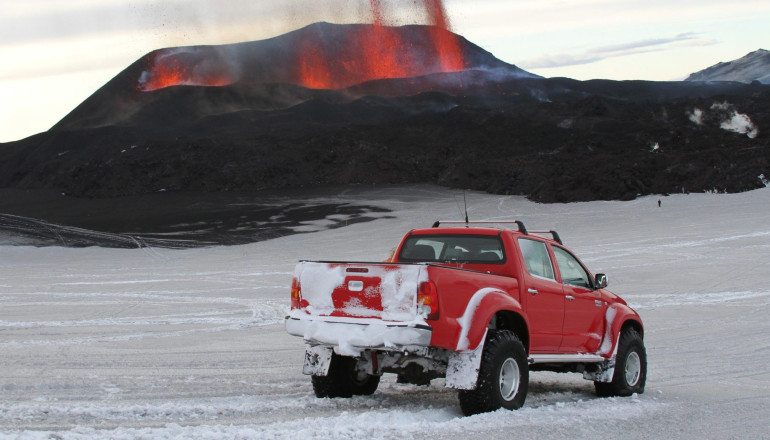 Hilux AT38 at the eruption of the icelandic volcano 2