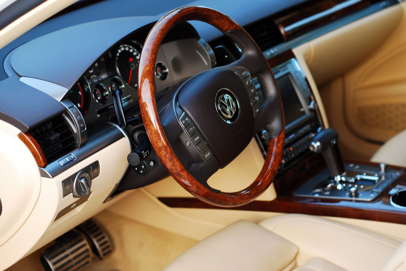 Volkswagen Phaeton 2012 Review: The chariot of the
