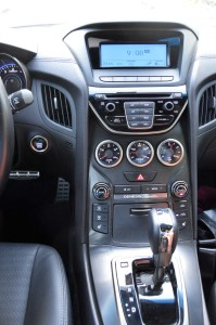 Hyundai Genesis Coupe cabin comfort