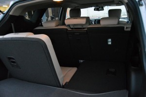 hyundai santa fe review one wholesome package. Black Bedroom Furniture Sets. Home Design Ideas