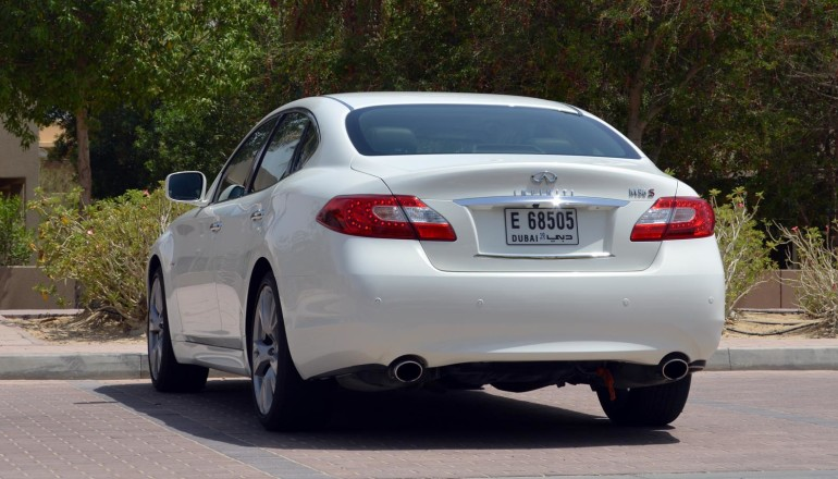 Infiniti M56 review UAE