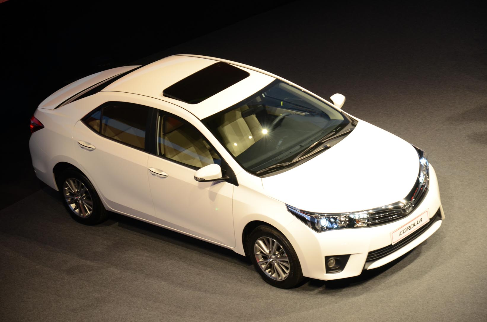 Toyota Corolla 2014 First Drive Handling Expectations