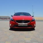 Volvo V40 review UAE