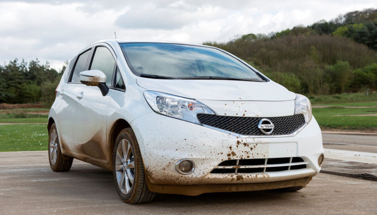 Nissan develops car that cleans by itself