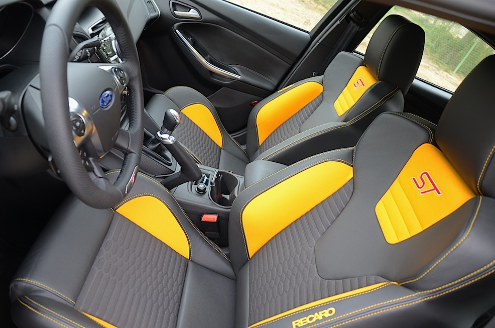 ford focus st 2014 review family track day. Black Bedroom Furniture Sets. Home Design Ideas