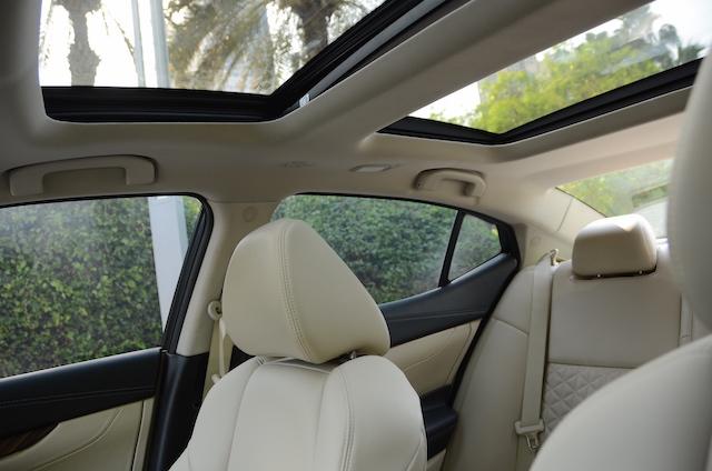 Nissan Maxima 2016 sunroof