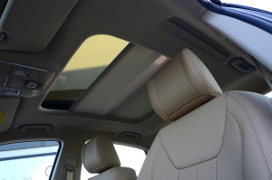 Geely Emgrand GT sunroof