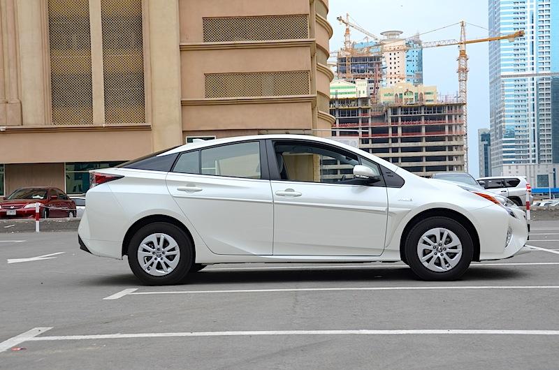 Toyota Prius UAE review