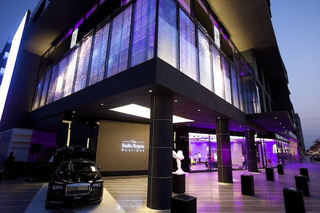 the-rolls-royce-boutique-13