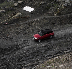Range Rover Sport Downhill ride