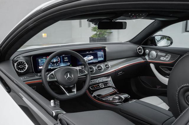 Mercedes-Benz E-Klasse Coupé; 2016; Interieur: Leder Nappa weiß/schwarz, Zierelemente Metallstruktur ; Mercedes-Benz E-Class Coupé; 2016; interior: Nappa leather White/black, metal-weave trim;