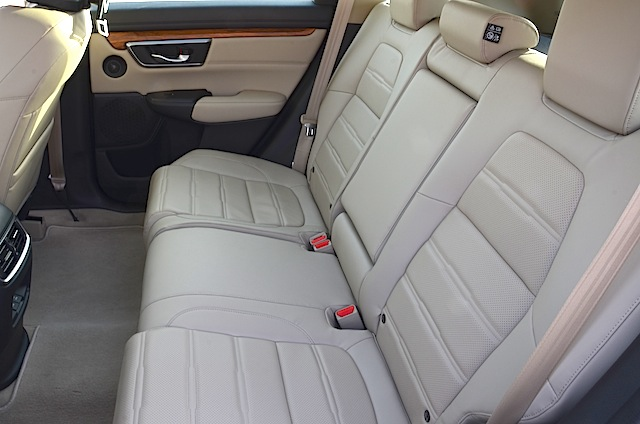 Honda CR-V rear seat