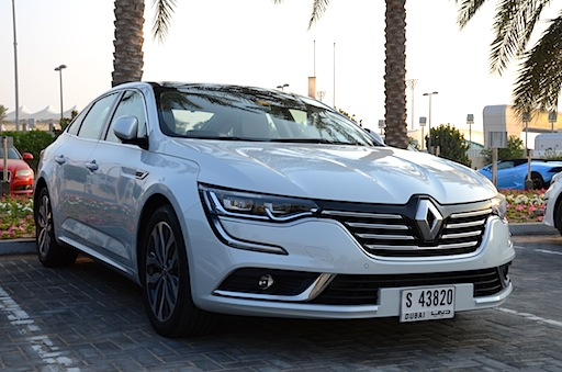 Renault Talisman parking lot