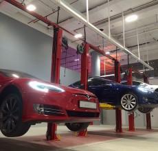 Tesla showroom launch