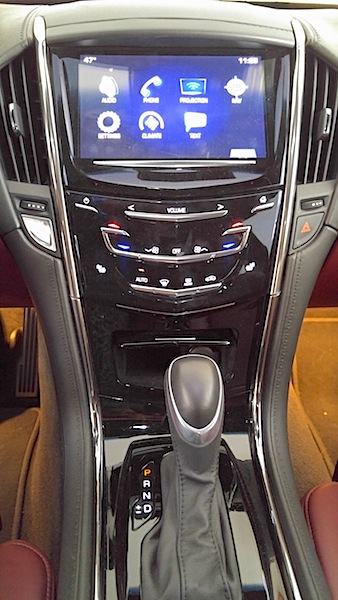 Cadillac ATS Coupe console