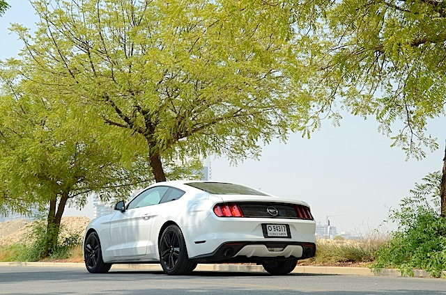 Ford Mustang Ecoboost Fastback review