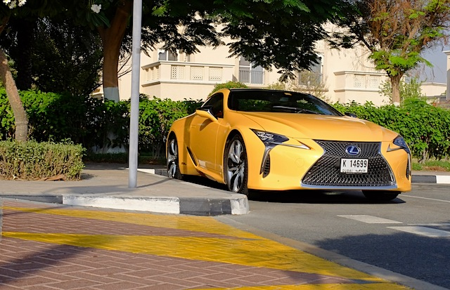 Lexus LC 500h parking
