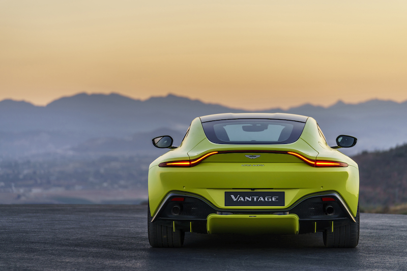 Aston Martin Vantage_Lime Essence_22