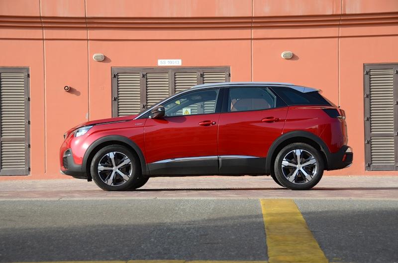 Peugeot 3008 profile