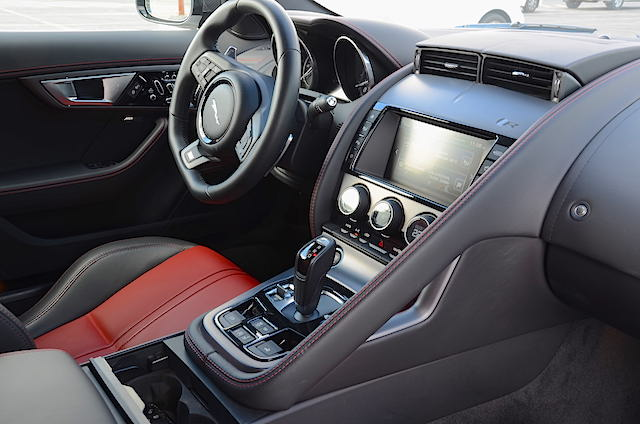Jaguar F Type R console