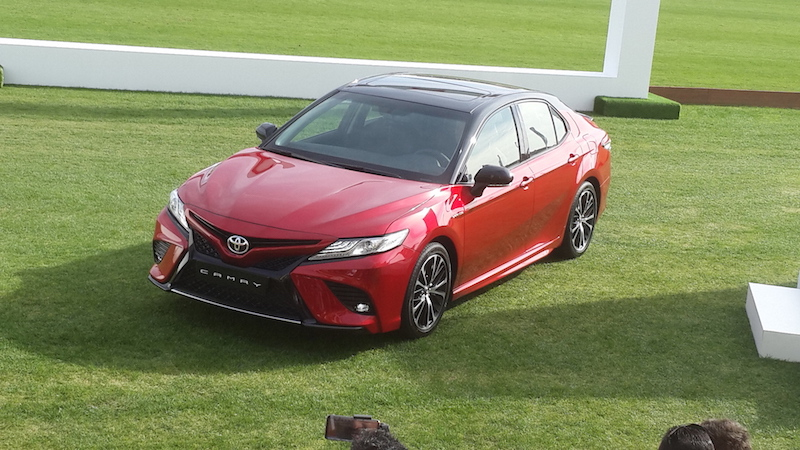 Camry 2018 red